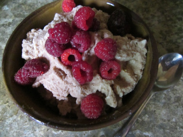 raspberries-chocolate-ice-cream